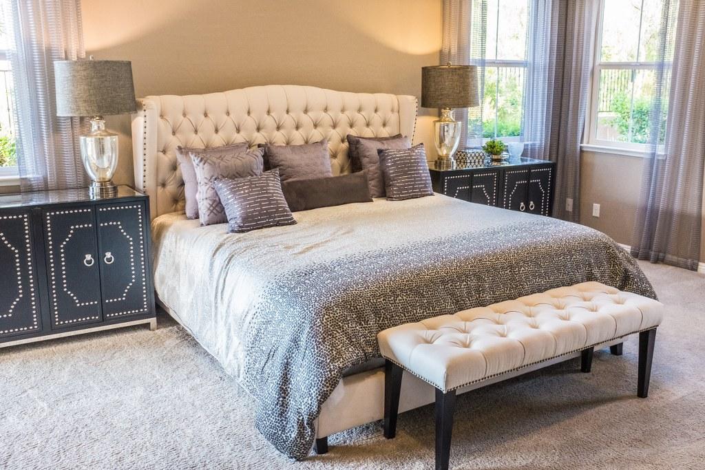 фото дизайну інтер'єру спальні