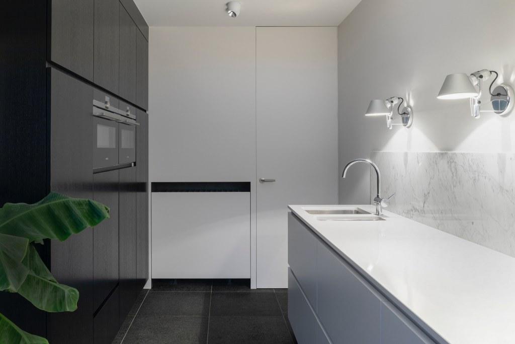 кухня в білому кольорі