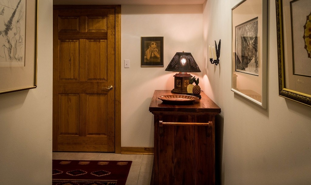 Ідеї для дизайну інтер'єру коридору.